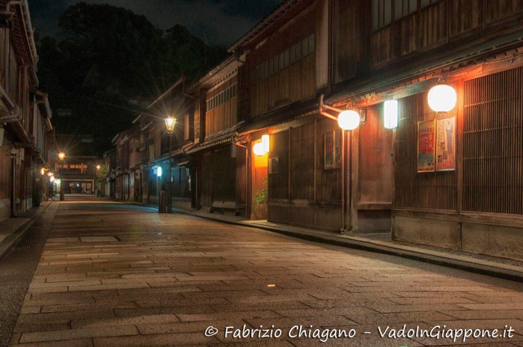 Vista notturna di Higashi Chaya, Kanazawa, Giappone