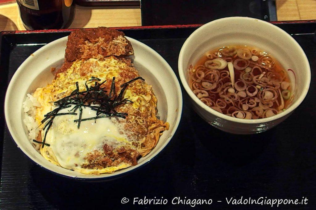 Katsudon, Tonkatsu, Cibi e cucina giapponese