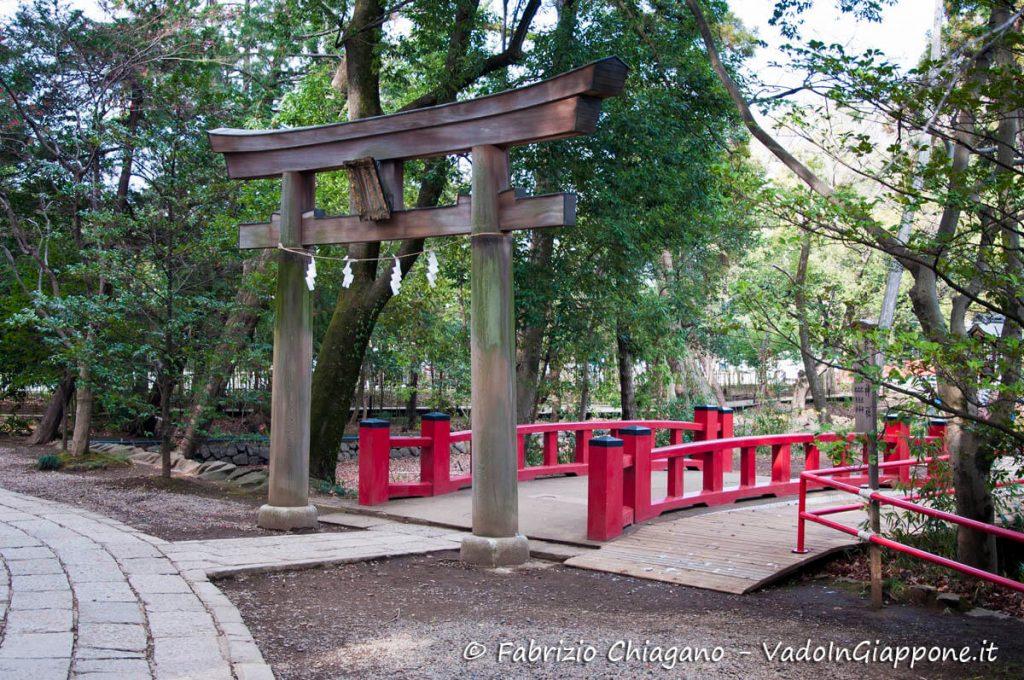 Torii secondario del Santuario di Hikawa, Omiya, Saitama, Giappone