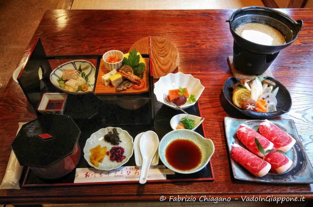 Cena tipica giapponese sul Monte Kurama